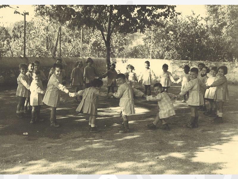 Ronde des enfants à Pontlevoy (Loir et Cher) durant l'été 1935