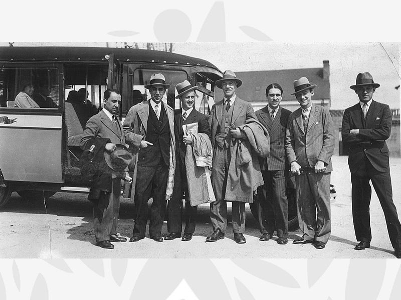 1930 Visite des administrateurs de l'Oeuvre en mai 1931 au Centre de Menestreau en Villette (Loir et Cher) - Au centre de la photo le Dr Armand DELILLE, Secrétaire général puis Président de l'Oeuvre Grancher