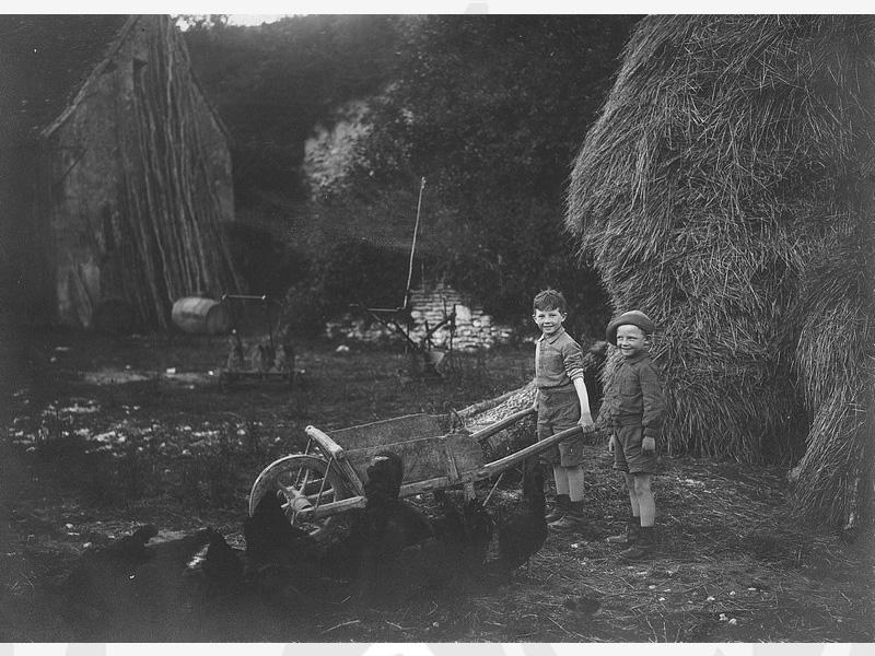 Les enfants Maurice et Jacques au foyer de Bléré (Indre et Loir) dans les années 40